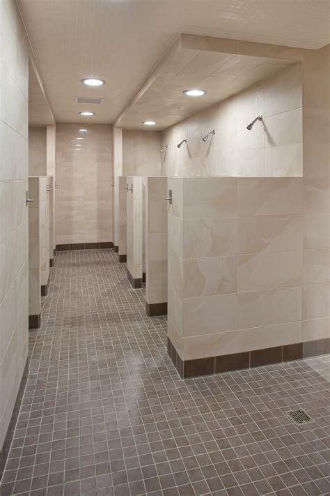 divany open locker room open locker room bedroom furniture vestuarios on pinterest lockers locker storage and