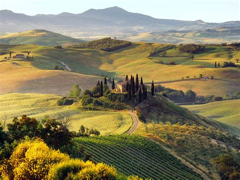 in umbria a traveler s guide to the green of italy umbria
