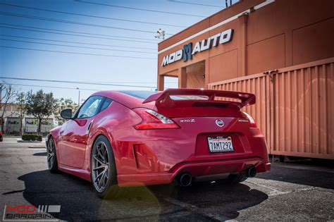 nissan 370z nismo modded nissan 370z nismo on rays wheels gets aligned modauto