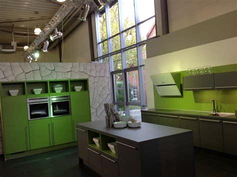 küche ahorn schränke farbkombi wohnzimmer t 252 rkis braun grau