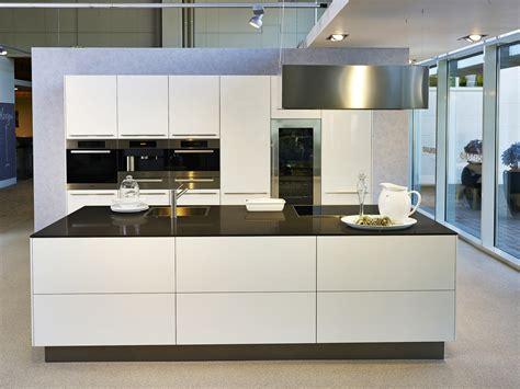 moderne küchen mit insel moderne k 252 chen mit insel schwarz ambiznes