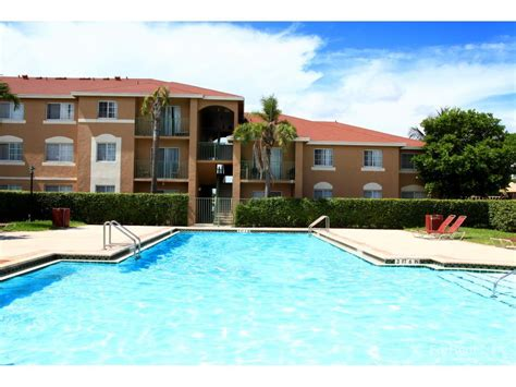 one bedroom apartments in kendall one bedroom apartments in miami 3 person outdoor swing