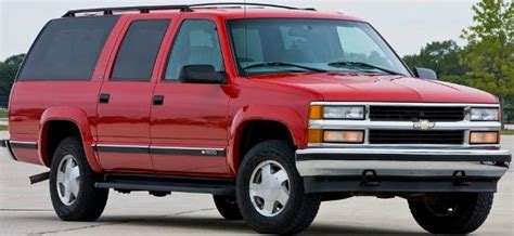 chevrolet suburban red road chs 6440 1 43 scale diecast 1999 chevy suburban