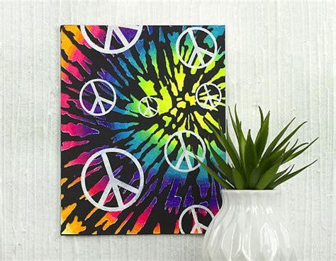 acrylic paint tie dye canvas stencilied tie dye neon canvas project by decoart