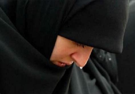 Hemat Air Mata Taubat kebiasaan buruk muslimah yang sebaiknya dihindari hijabina jual