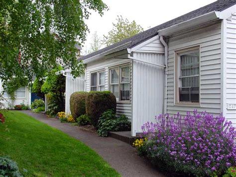 appartments in portland portland rentals apartments in oregon macleay gardens 1