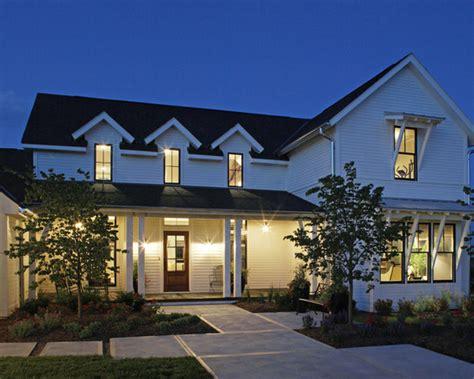 bright and airy contemporary farmhouse style surrounded by 16 bright and airy modern farmhouse exterior design ideas