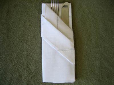 Dining Table Napkin Folding How To Fold Dinner Napkins Napkin Folding Guide