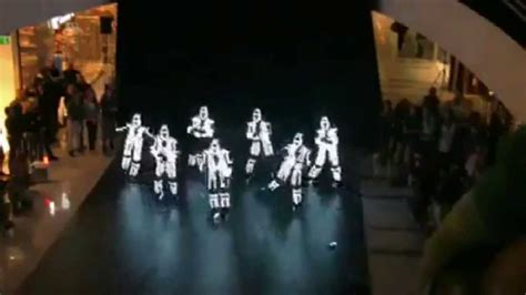 The best flash mob dance you ever saw(with radium lights