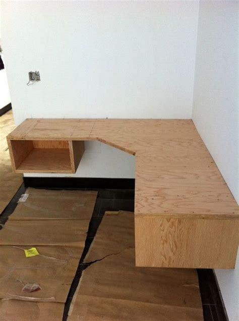 Floating Desk Diy Building A Floating Desk Plans Free Floating Desk Desks And Room