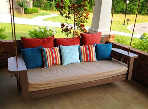 What Is A Swing Bed by White Swing Bed Time To Relax Diy Projects