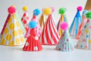karneval dekoration basteln basteln f 252 r fasching wie faschingsstimmung ins haus holen