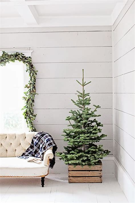 christmas tree too small for stand how to cover a tree base 38 ideas digsdigs