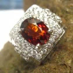 Cincin Lapis Emas Putih Batu Pink Rangka Tebal Bentuk Br212p koleksi cincin pria dengan model terupdate