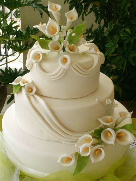 17 Best ideas about Calla Lily Cake on Pinterest   Pastel
