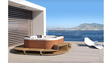 vasca idromassaggio da giardino vasca idromassaggio da esterno