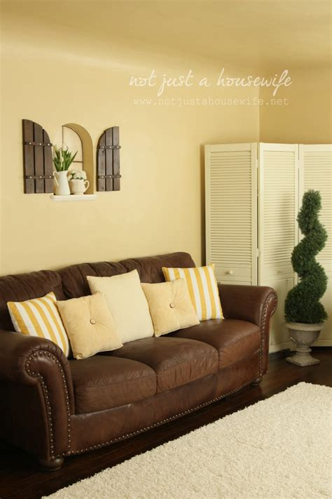what color sofa goes with yellow walls details about all the pillows in my family room not
