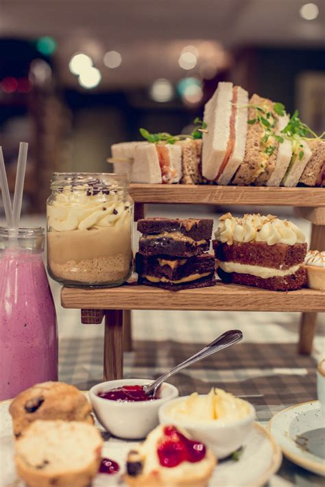 afternoon tea london chic places  cake   capital