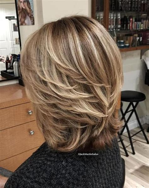 hairstyles for 50 with low lights 23 стильных варианта самых модных стрижек на средние