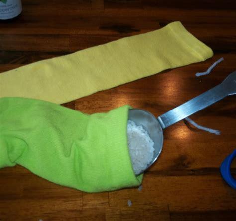 diy sock heating pad easy diy no sew rice heating pad sports cooling pad