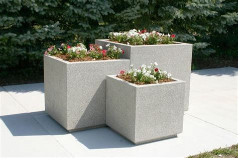 vasi cemento prezzi fioriere in cemento prezzi vasi e fioriere quanto