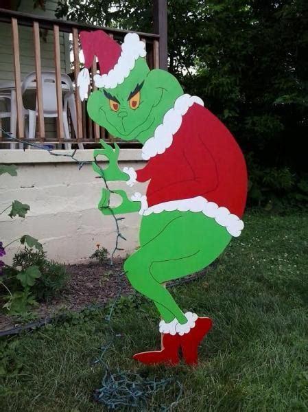 grinch christmas ideas grinch creeping grinch mikesyarddisplays