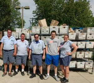 Niles Township Food Pantry by Morton Grove S Usps Drops Food From Their Mother S Day
