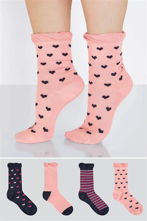 div placement 4 pack donkerblauwe roze sokken met hartjesprint en