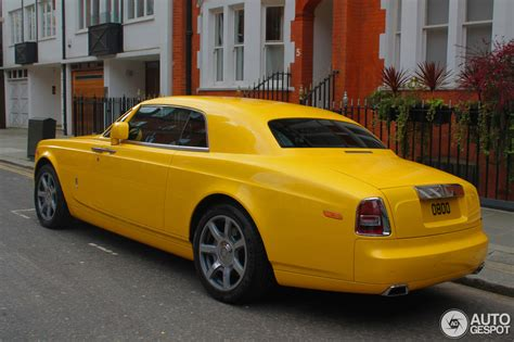 yellow rolls royce wraith rolls royce phantom coup 233 22 april 2014 autogespot