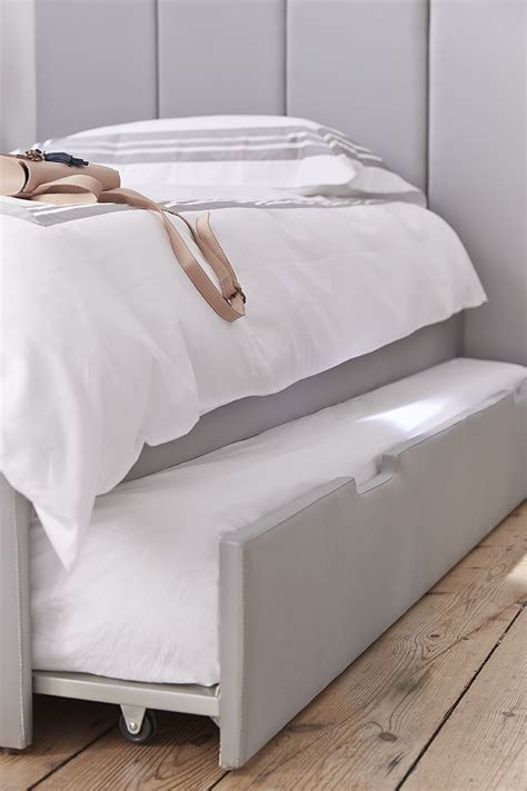 Plush Headboard Beds by Plush Headboard Bed Base And Tara