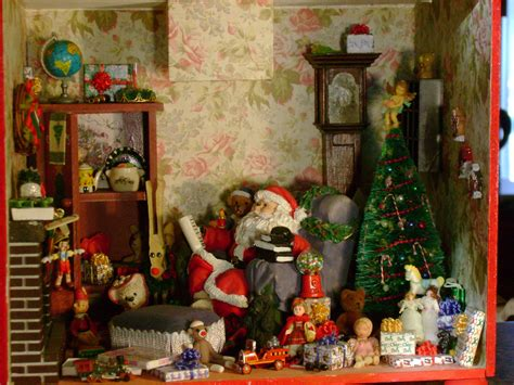 christmas roombox 1 12 scale it still needs a picture or