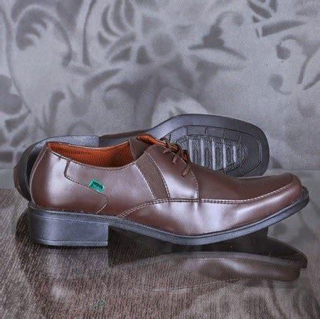 Sepatu Sport Lu kickers pentopel sepatu murah