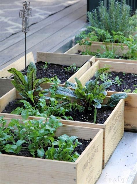 Blog Déco nordique   DIY   Un jardin en caisses!