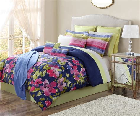 16 Comforter Set by The Great Find Lilly Fields 16 Bedding Set Floral