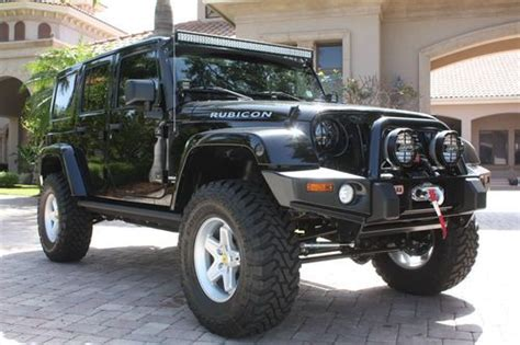 find new 2013 jeep wrangler rubicon four door highly