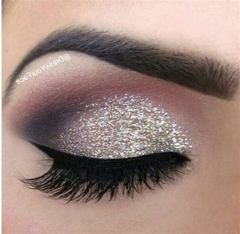 10 Creative & Pretty Glitter Eye Makeup   Page 5 of 10