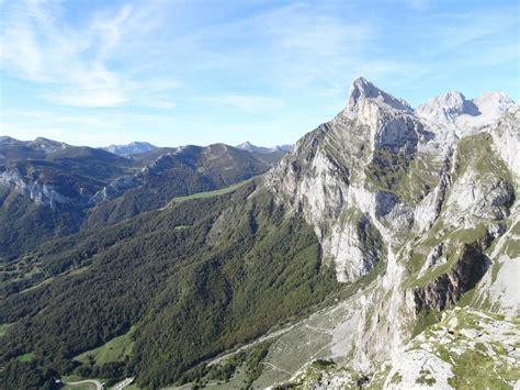 picos de europa spanische roadtrip spanien nordk 252 ste die picos de europa einfachrausgehen de