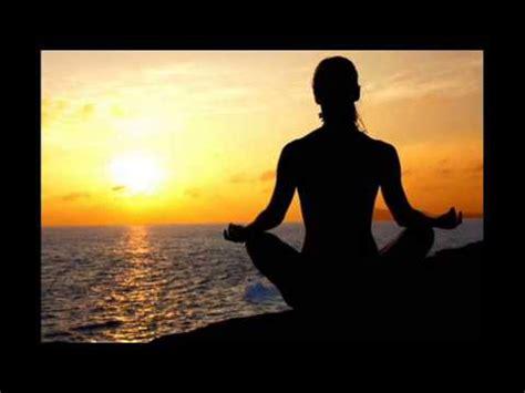 imagenes con frases sobre yoga meditacion guiada armonizar la mente equilibrar el