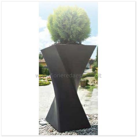vasi alti plastica vasi in plastica triangolo vaso torciglione 83518697