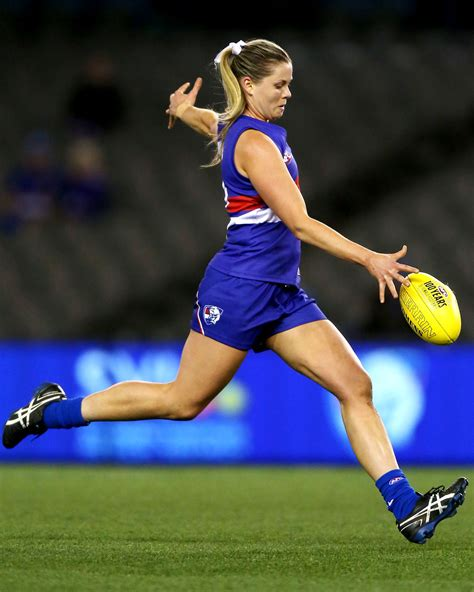 afl bench press train like an afl player fitness and diet tips from an afl women s captain