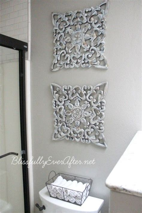 bathroom wall art ideas decor 25 best ideas about grey bathroom decor on pinterest