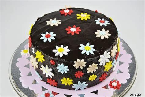 tartas en flor el tarta de chocolate con flores en fondant magia en mi cocina recetas f 225 ciles de cocina paso a