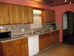 best color with oak kitchen cabinets top 10 kitchen colors with oak cabinets 2017 mybktouch com