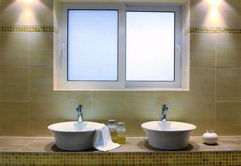 sichtschutzfolie badfenster sichtschutzfolie f 252 r badezimmer interessante ideen