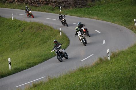 Motorradfahren Ab 16 by Jugendliche Vom Motorradfahren Abhalten T 214 Ff Magazin