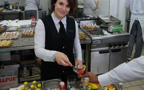 lavoro cameriere vitto e alloggio villasimius noto ristorante cerca chef di e cameriere di