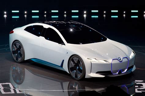 bmw unveils i vision dynamics electric concept hypebeast