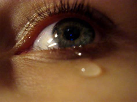 the crying eye sad crying eyes wallpaper
