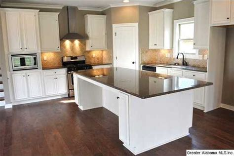 kitchen island with seating for 5 wow what a kitchen plenty of work and entertaining space