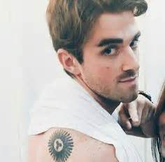 Tattoo On Your Shoulder Chainsmokers | pin by avani on the chainsmokers pinterest hot guys